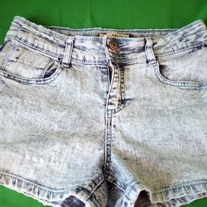Mudd girls 16 shorts distressed
